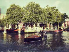 Mit dem Wassertaxi unterwegs in Rotterdam.