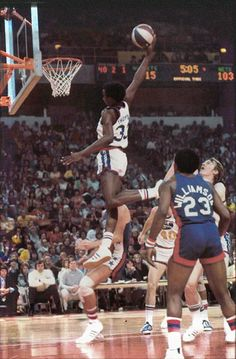 Legendary David 'Skywalker' Thompson in a game. This is my all time favorite photo of The Skywalker Basketball Leagues, Basketball Pictures, Basketball Legends, College Basketball, Nba Stars, Sports Stars, Nba Players, Basketball Players, Basketball Games