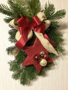 Christmas Wreaths, Christmas Ornaments, Holiday Decor, Home Decor, Christmas Garlands, Xmas Ornaments, Homemade Home Decor, Holiday Burlap Wreath, Christmas Jewelry