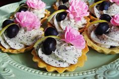 Tartaletky s citrónovo-makovým mascarpone a čučoriedkami