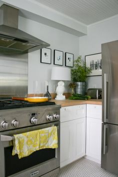 Awesome Kitchen Design! Check out the #Ducts.