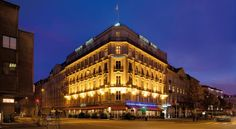 Grand Hotel Copenhagen This city centre hotel is 200 metres from Tivoli Gardens and 5 minutes' walk from City Hall Square. It offers bright rooms with free Wi-Fi and a flat-screen TV with cable channels.