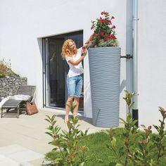 Zbiornik wyróżnia się pofalowaną strukturą, która zmienia kolor w zależności od pory dnia i padania promieni słonecznych. Poza pięknym wyglądem zbiornik NATURA gwarantuje dodatkowe korzyści: ekologiczne – oszczędność zasobów naturalnych oraz finansowe – zmniejszone opłaty za wodę. Dlatego zamiast płacić wysokie rachunki, możesz zacząć zbierać deszcz i podlewać nim rośliny w domu lub ogrodzie. Design, Design Comics