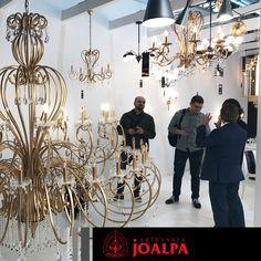 Encantados de recibir a nuestros clientes de todo el mundo!! --- #FieraMilano17 #Joalpa #FieraMilano #lamp #light #deco #designinterior #interiordesign #luxury #artesania #art#Euroluce #Euroluce17
