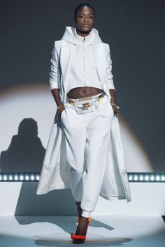 Brandon Maxwell Prêt-À-Porter Printemps-Été 2021 - Défilés | Vogue Paris Look Fashion, Fashion Details, Fashion News, Spring Fashion, High Fashion, Fashion Show, Fashion Outfits, Womens Fashion, Fashion Design
