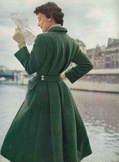 Foto Fashion, 1950s Fashion, Fashion History, Fashion Models, Vintage Fashion, Club Fashion, Vogue Fashion, Fashion Women, Fashion Coat