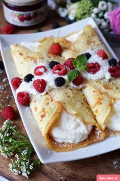 Crepes, Cannoli, Cake Recipes, Pancakes, Recipies, Food And Drink, Menu, Sweets, Dishes