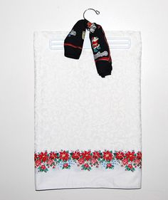 Vintage Tablecloth Poinsettias on White by ChristmasVintage, $14.50