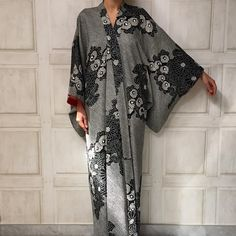 Lalousan abayas Jeddah she's on instagram and doesn't seem to have a site.  SGD500 and up. ouch...