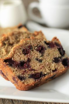 Blueberry Zucchini Bread - uh, yes please! Going to try out soon to use up zucchini frozen in the freezer!