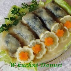 KARP W SOSIE CEBULOWYM NA ZIMNO Seafood Dishes, Fish And Seafood, Polish Recipes, Polish Food, Vegan Junk Food, Karp, Vegan Sushi, Vegan Baby, Vegan Bodybuilding
