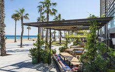 Bar de plage à Barcelone. http://www.lonelyplanet.fr/article/ou-sortir-barcelone…