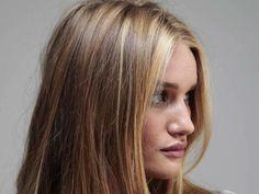 Rosie Huntington-Whiteley hair color