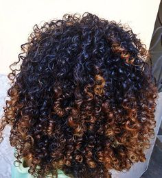 Natural curls | color