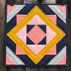 Log cabin mini quilt - Isabelle Selak