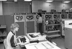 Women operating computers at VEB Robotron in Erfurt. December 1986.