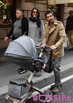 Juliana Moreira fa shopping insieme a Edoardo Stoppa e la piccola Lua Sophie: le foto - Foto e Gossip by Gossip News