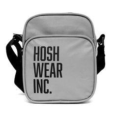 Shoulder Bag Hoshwear Refletiva - Hoshwear Inc. Moda Streetwear, Look, Backpacks, Shoulder Bag, Mini Bags, How To Wear, 1, Products, Shoulder Purse