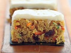 can't have too many zucchini recipes. Zucchini-Carrot Dessert Bars-This is a Weight Watchers 3 PointsPlus+ recipe. Ww Desserts, Weight Watchers Desserts, Homemade Desserts, Healthy Desserts, Dessert Recipes, Healthy Recipes, Healthy Foods, Light Desserts, Healthy Sides