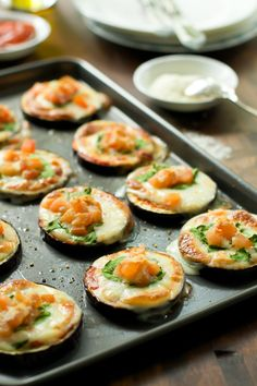 Eggplant Pizza Bites - Law Carb, Gluten-free and very delicious!! primaverakitchen.com