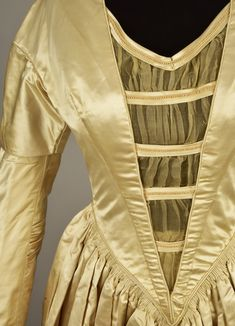 LOT 213 SATIN and ORGANDY WEDDING GOWN c. 1845 - whitakerauction