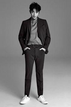 K-Love ❤️ — kmagazinelovers: Lee Jun Ki - Allure Magazine. Lee Jong Ki, Lee Dong Wook, Ji Chang Wook, Korean Male Actors, Korean Celebrities, Asian Actors, Hot Korean Guys, Korean Men, Lee Joon Gi Magazines