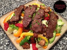 Balsamic Flat Iron Steak Salad (Low-Carb, Gluten-Free Paleo, Dairy-Free, via Peace + Love +Carb Low Carb Recipes, Beef Recipes, Cooking Recipes, Healthy Recipes, Banting Recipes, Sausage Recipes, Ketogenic Recipes, Healthy Dinners, Drink Recipes