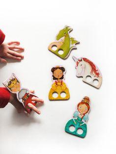 Deavita va vous présenter quelques projets magnifiques, concernant le bricolage de marionnettes à doigts super originales et mignonnes ! En papier, en feutr
