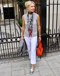 50 sugestões de modelos de blusas sem mangas - Blog da Mari Calegari Mature Fashion, Fashion For Women Over 40, 50 Fashion, Petite Fashion, Look Fashion, Plus Size Fashion, Fashion Outfits, Fashion Trends, Fashion 2018