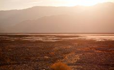 Si viajas a #LasVegas, recorre los desérticos paisajes de sus alrededores y disfrútalos de mil maneras diferentes. http://www.bestday.com.mx/Las-Vegas-area-Nevada/Atracciones/