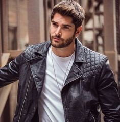 Image discovered by ETM. Find images and videos about model, throwback and nick bateman on We Heart It - the app to get lost in what you love. Nick Bateman, Beautiful Men Faces, Gorgeous Men, Beautiful Images, Men's Leather Jacket, Leather Men, Biker Leather, Estilo Bad Boy, Portrait Photography Men