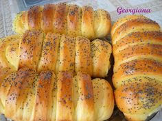 Just cooking!: Pariziene cu cremă de mere Just Cooking, Bagel, Bread, Food, Salads, Brot, Essen, Baking, Meals