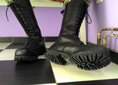 Mens Tall Boots, Tall Leather Boots, Black Boots, Men's Boots, Cool Boots, Derby, Skinhead Boots, Mens Attire, Braces