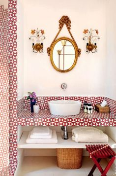 interior design red and white tile bathroom. Above counter sink. Unique mirror and sconces. Gorgeous bathroom with lots of style. Bad Inspiration, Bathroom Inspiration, Interior Inspiration, Decoracion Vintage Chic, Red Tiles, Mosaic Tiles, Wall Tiles, Mosaics, Turbulence Deco