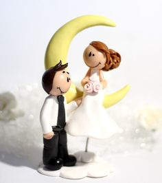 "~ Love you to the moon.. and back ~ Figurine de mariage ""Eglantine""  #caketopper #weddingcaketopper #figurinepiecemontee #figurinedemariage"