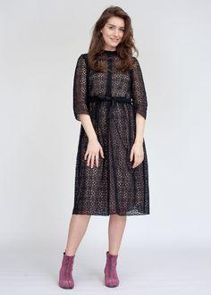 Платье на пуговицах из кружева черного цвета