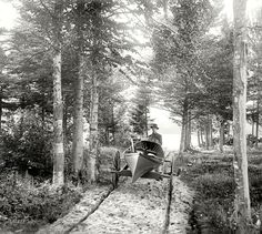 Shorpy Historic Picture Archive :: Canoemobile: 1902 high-resolution photo