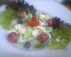 salada com queijo feta e azeitonas