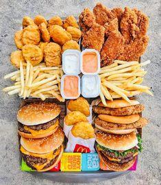 Think Food, Love Food, Sleepover Food, Junk Food Snacks, Best Junk Food, Healthy Junk Food, Healthy Foods, Food Platters, Food Goals