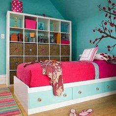 When bedroom storage becomes part of the decor...