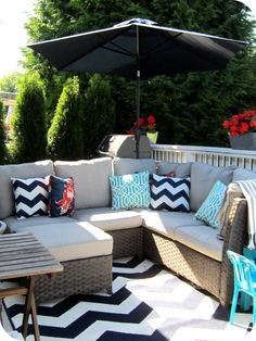 Garden furniture design - 33 ideas for the perfect outdoor area in summer - Decoration Top Modern Outdoor Rugs, Outdoor Dining, Outdoor Chairs, Outdoor Decor, Outdoor Spaces, Outdoor Privacy, Outdoor Seating, Adirondack Chairs, Target Patio Chairs