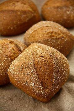 Dinkelschrotbrötchen - Plötzblog - Selbst gutes Brot backen…