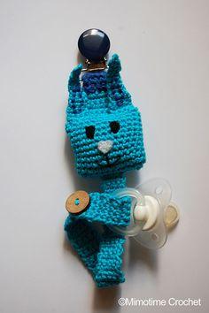 Attache tétine ou doudou bébé petit Lapin bleu au crochet : Puériculture par mimotime