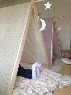 Sisters Guild: Monday Makery - Sitting Room Settlements - A Frame Camping