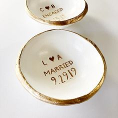 Wedding Gift For Couple Jewelry Dish / Date and Initials / Wedding Gift / Personalized Gift / Personalized / Engagement Gift / Bridesmaids Cheap Engagement Rings, Rose Gold Engagement Ring, Jewellery Uk, Jewelry Dish, Personalized Engagement Gifts, Personalized Gifts, Wedding Initials, Wedding Band Sets, Wedding Ring