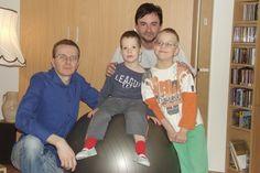 František Baďura a jeho partner Vladimír Patera sú jediný rovnakopohlavný pár v Česku, ktorý si vzal do pestúnskej starostlivosti cudzie deti, navyše postihnuté.