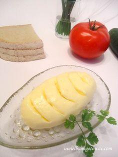 Domowe masło ze śmietany Kitchen Cheat Sheets, Czech Recipes, Good Food, Yummy Food, Polish Recipes, Polish Food, Dinner Options, Food And Drink, Appetizers