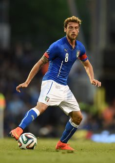 Claudio Marchisio Photos - Claudio Marchisio of Italy in action during the International Friendly match between Italy and Ireland at Craven Cottage on May 2014 in London, England. - Italy v Ireland - International Friendly Football Is Life, World Football, Soccer World, Football Soccer, Claudio Marchisio, Fifa, Brazil World Cup, Juventus Fc, Football Pictures