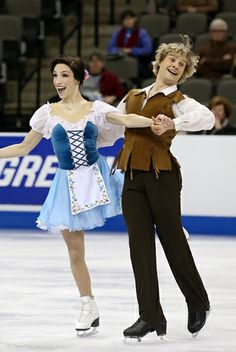 Meryl Davis and Charlie White perform their Short Dance at the 2013 US National Figure Skating Championships