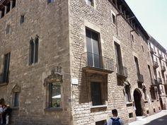 El Barrio Gótico está lleno de palacios y casas señoriales.